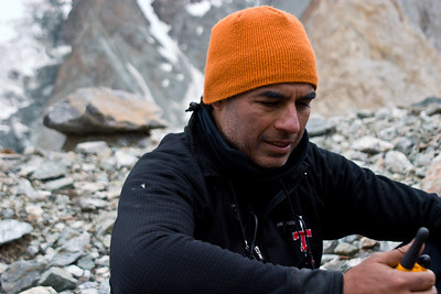 Dad tries to contact Ibrahim and Adil, who headed back down from Broad Peak Base Camp.