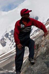 Ibrahim on his way back down the boulder.