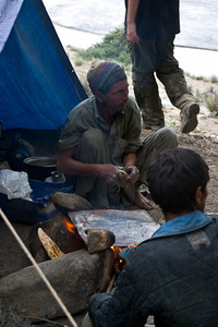 At the end of the hike we pass through a camp of a few of  the porters.  They were making chapati for dinner.