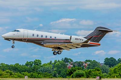 Flexjet Bombardier BD-100-1A10 Challenger 350 N571FX 6-12-18