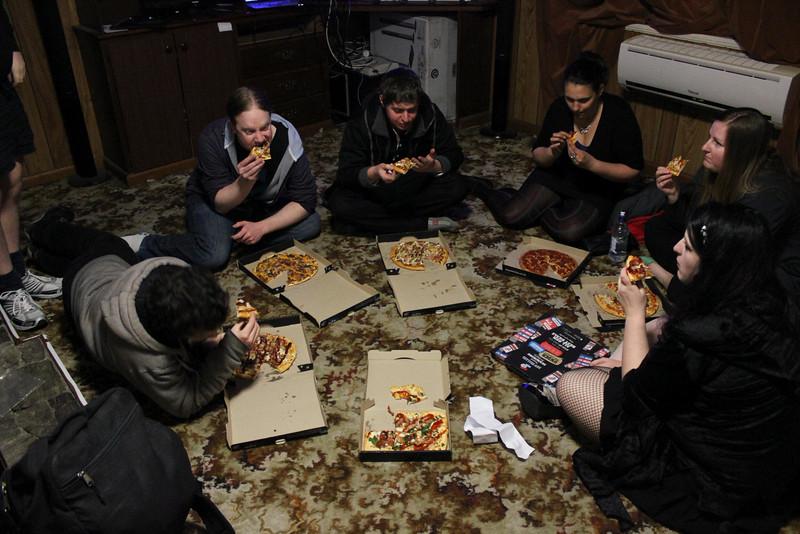 Pre-party-Pizza Pat, Jonathon, Scott, Chloe?, Alice, Marama (photo from Phil)