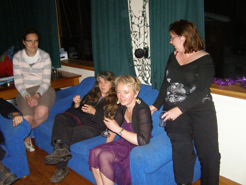 Angela, Karen, Trudi, Fluffi