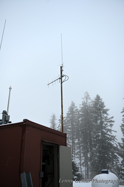 The repeater and link antennas.
