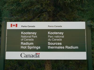 Radium Pools & Entrance to Kootenay Park, Radium Hot Springs, 882.8 m ü.M., British Columbia - Upper Columbia Region, Canada