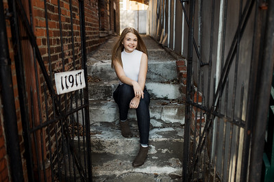 View More: http://ijulietphotography.pass.us/katie_senior_portraits