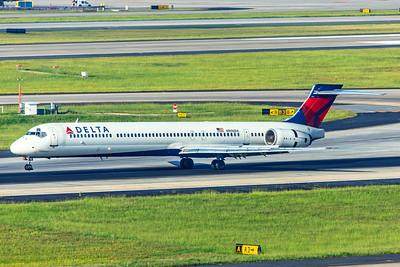 Delta Air Lines McDonnell Douglas MD-90-30 N906DA 7-5-18