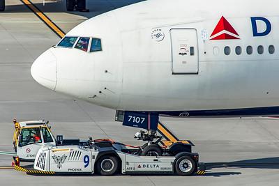 Delta Air Lines Boeing 777-232(LR) N707DN 7-5-18