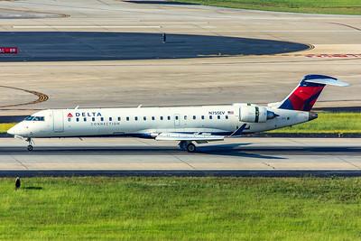 Expressjet Bombardier CL-600-2C10 CRJ-701ER N755EV 7-5-18