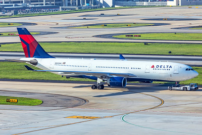Delta Air Lines Airbus A330-302 N825NW 7-5-18