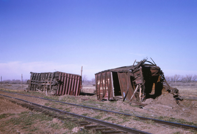 MK&T 6 - Dec 26 1964 - derailment 2 mi w of Fort Supply OK