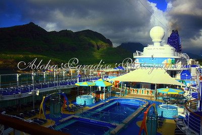 NCL PRIDE OF AMERICA POOL NAWILIWILI HARBOR