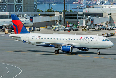 Delta Air Lines Airbus A320-212 N355NW 8-16-18