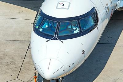 Jazz Bombardier CL-600-2B19 CRJ-200ER C-GJZZ 8-16-18 2