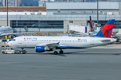 Delta Air Lines Airbus A320-212 N337NW 8-16-18