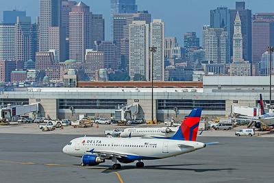 Delta Air Lines Airbus A319-114 N340NB 8-16-18 2