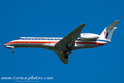 AmericanEagleAirlinesEmbraerEMB135LRN728AE_1
