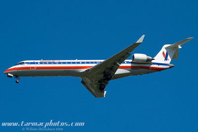 AmericanEagleAirlinesBombardierCL6002C10N523AE_4