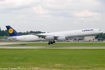 LufthansaAirbusA340642DAIHU_1