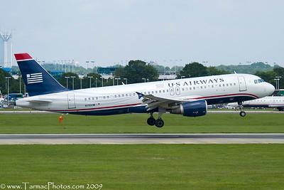 USAirwaysAirbusA320214N110UW_26