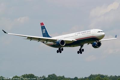 USAirwaysAirbusA330323N271AY_2
