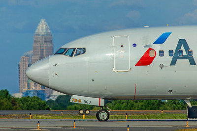 American Airlines Boeing 737-823 N854NN 7-4-18 2