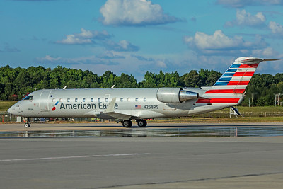 PSA Airlines Bombardier CL-600-2B19 CRJ-200ER N258PS 7-4-18 2