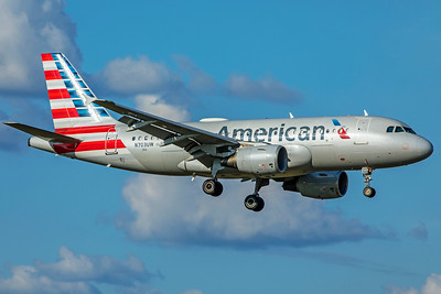 American Airlines Airbus A319-112 N703UW 7-4-18