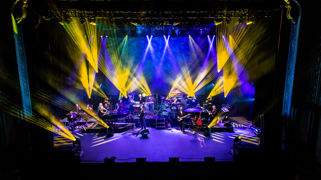 Mannheim Steamroller: Christmas by Chip Davis