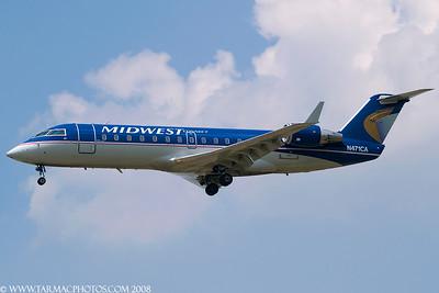 SkyWestAirlinesBombardierCL6002B19N471CA_8