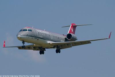 PinnacleAirlinesBombardierCL6002B19N8783E_13