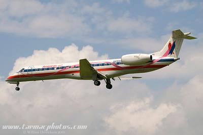 AmericanEagleAirlinesEmbraerEMB145LRN691AE_15