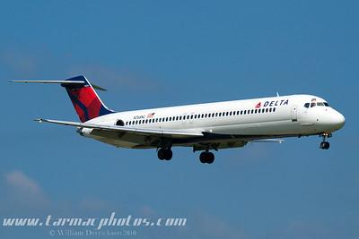 DeltaAirlinesMcDonnellDouglasDC951N768NC_4