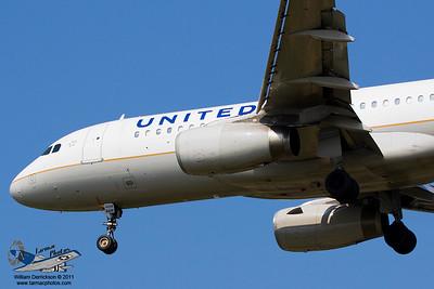 UnitedAirlinesAirbusA320232N419UA_7