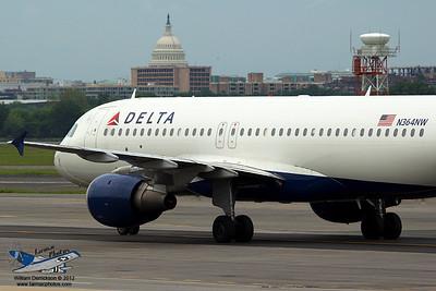 DeltaAirlinesAirbusA320212N364NW_6