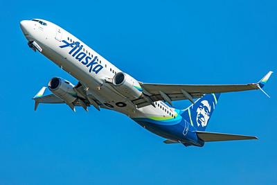 Alaska Airlines Boeing 737-890 N516AS 7-10-18
