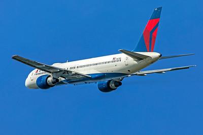 Delta Air Lines Boeing 757-232 N673DL 7-10-18