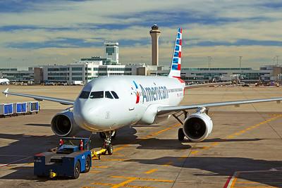American Airlines Airbus A319-112 N767UW 6-16-17