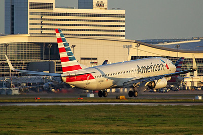 American Airlines Boeing 737-823 N939NN