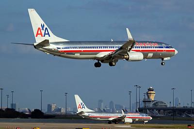 American Airlines Boeing 737-823 N941AN 10-5-16