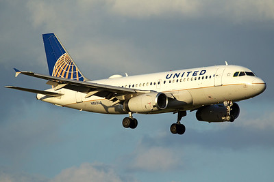 United Airlines Airbus A319-131 N852UA 10-5-16
