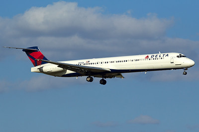 Delta Air Lines McDonnell Douglas MD-88 N915DL 10-5-16