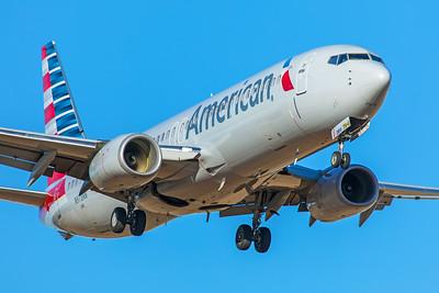 American Airlines Boeing 737-823 N978NN 12-10-17
