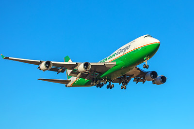 EVA Airways Boeing 747-45E(BDSF) B-16407 12-10-17 2