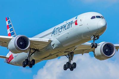American Airlines Boeing 787-9 Dreamliner N826AN 9-2-18