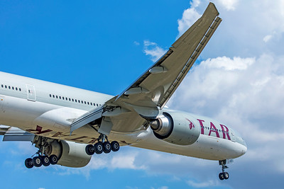 Qatar Airways Boeing 777-3DZ(ER) A7-BAO 9-2-18 2