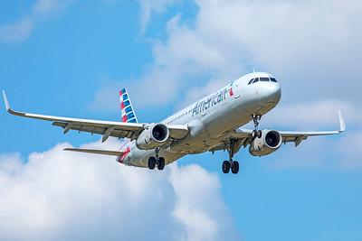 American Airlines Airbus A321-231 N992AU 9-2-18