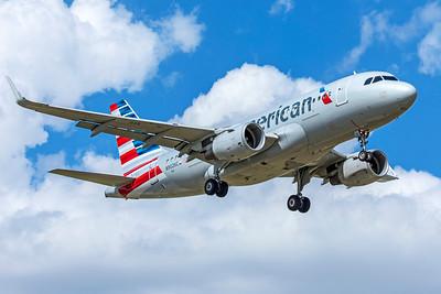 American Airlines Airbus A319-115 N9026C 9-2-18