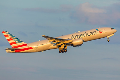 American Airlines Boeing 777-223(ER) N782AN 9-2-18