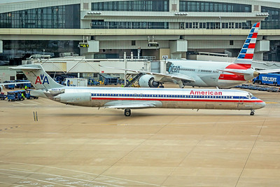 American Airlines McDonnell Douglas MD-83 N966TW 9-3-18