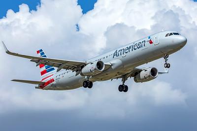 American Airlines Airbus A321-231 N905AU 9-2-18